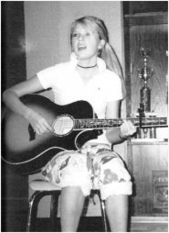 taylor swift young yearbook