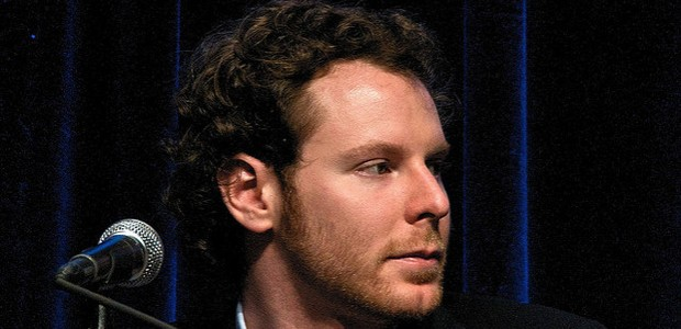 Sean Parker Looking To Buy Warner Music group
